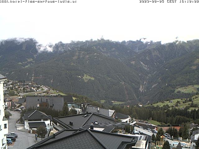 Webcam-Blick von Fiss nach Südosten über das Inntal in die Ötztaler Alpen