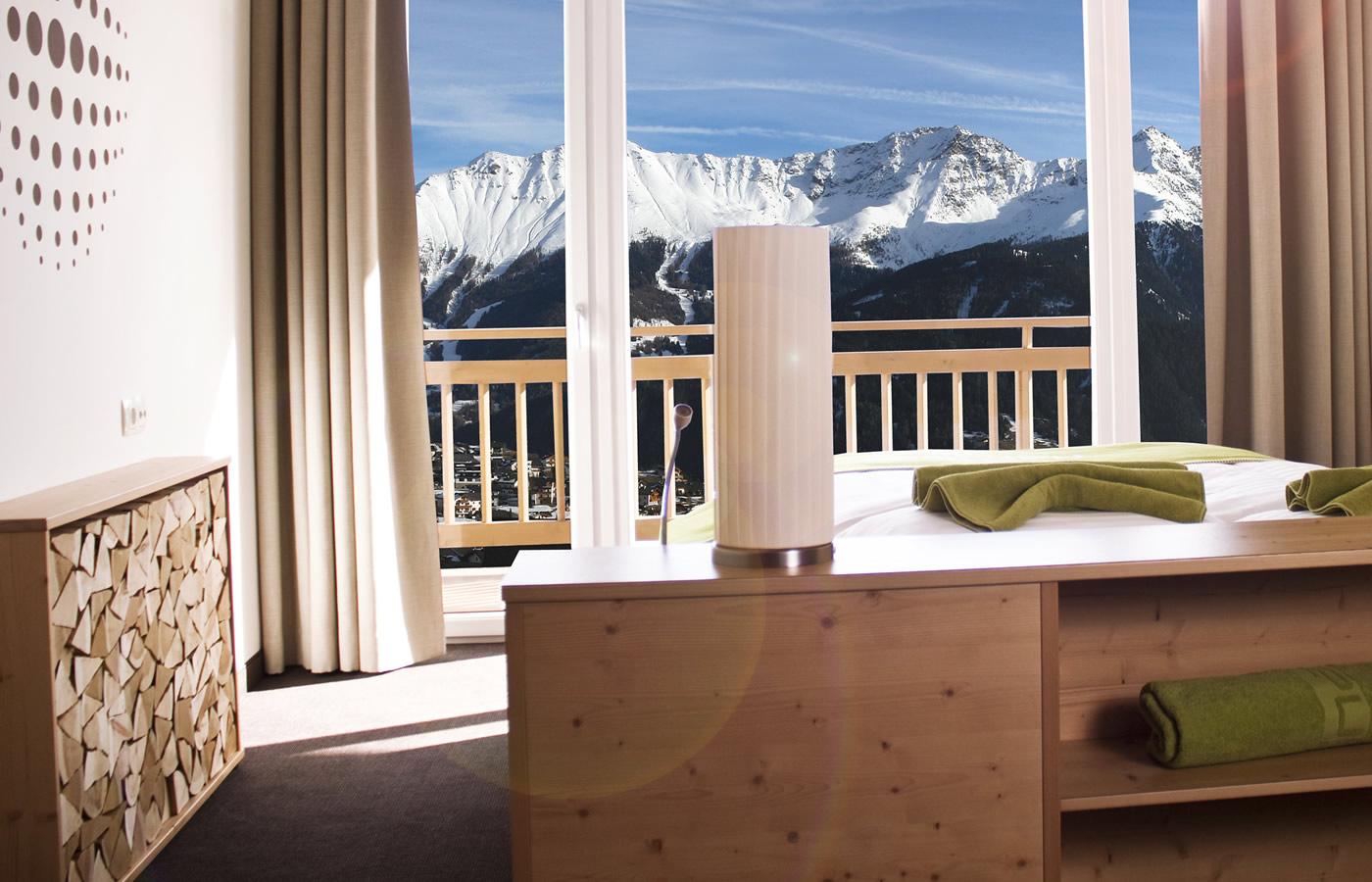 Zimmer-Aussichten des Hotels. Natürlich Winter-Urlaub in Fiss.