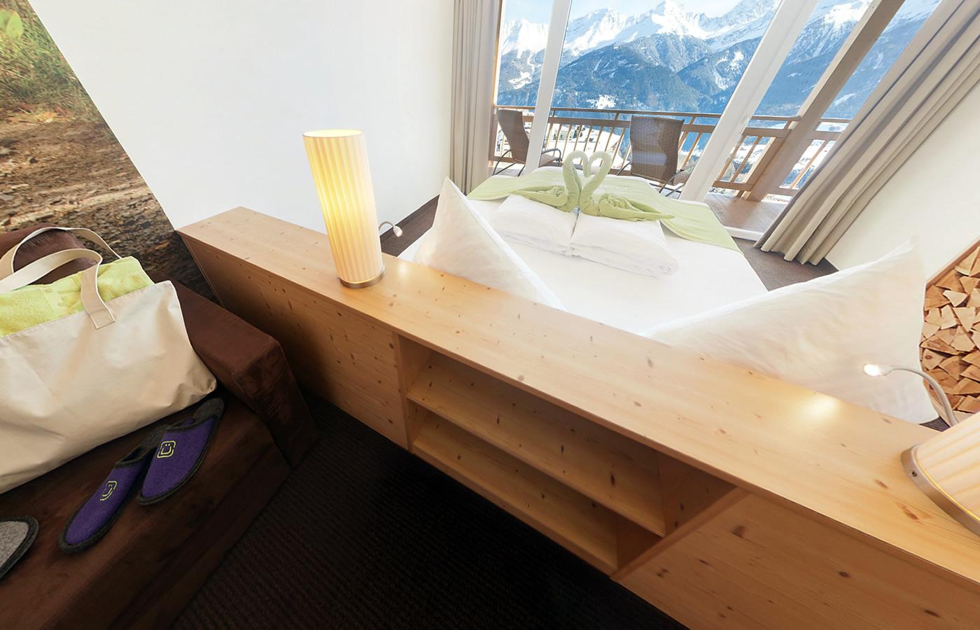 Komfortzimmer im Natürlich. Hotel mit Charakter in Tirol, Österreich.