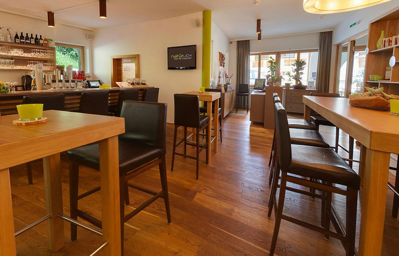 Hotel Natürlich - Bar/Lounge für Gruppen-Urlaube in Tirol - Österreich.