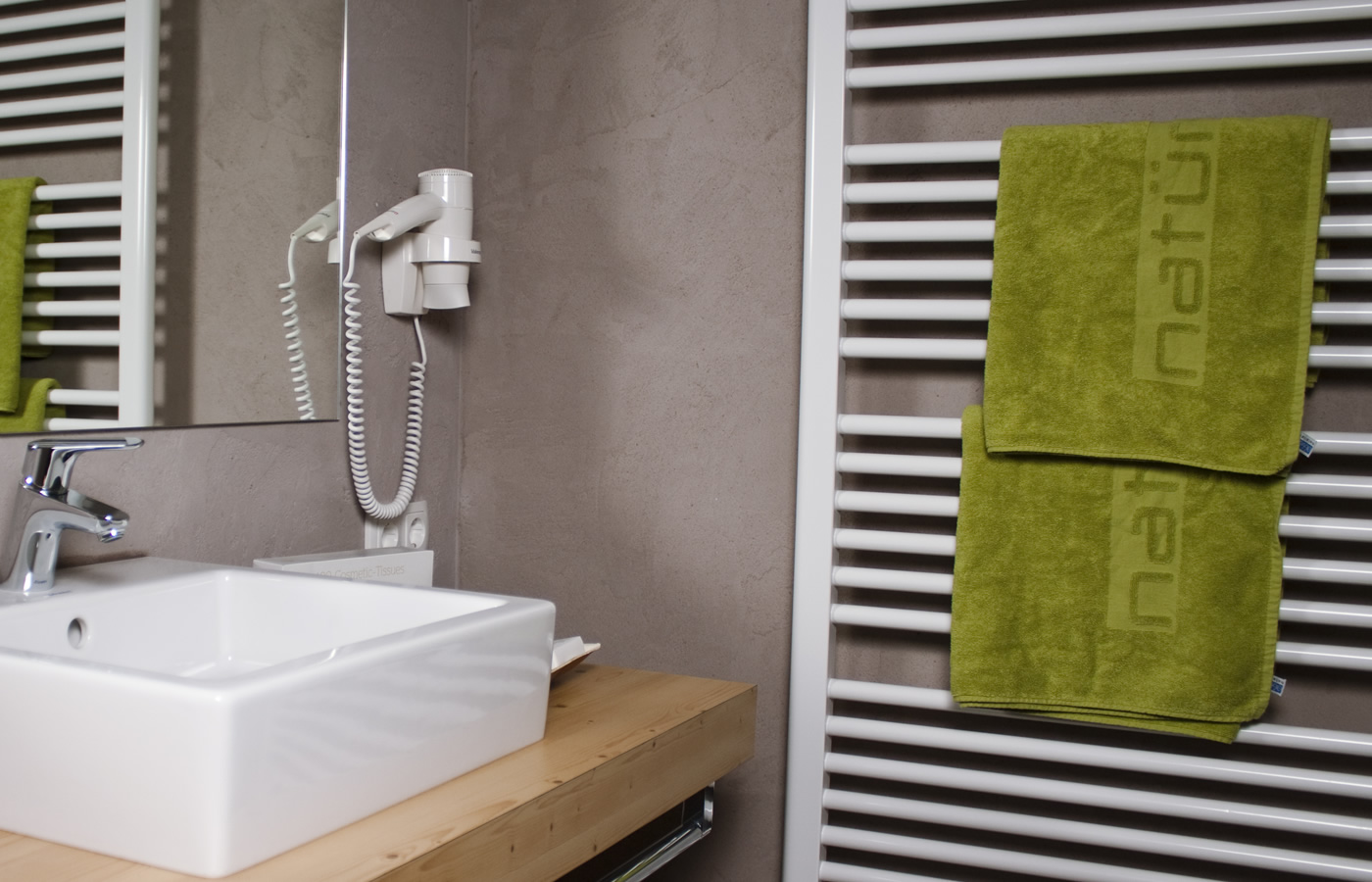 Hotel Badezimmer - Urlaub im Natürlich. Hotel in SFL.