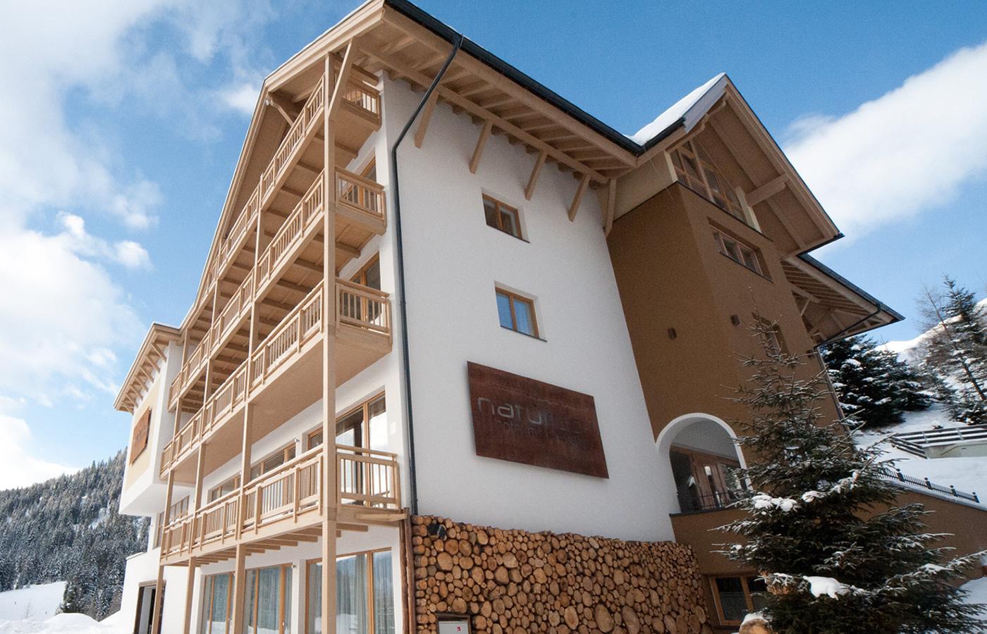 Nord-Ost-Ansicht von Natürlich. Hotel in Fiss, Tirol.